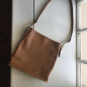 Vintage tan Coach bag